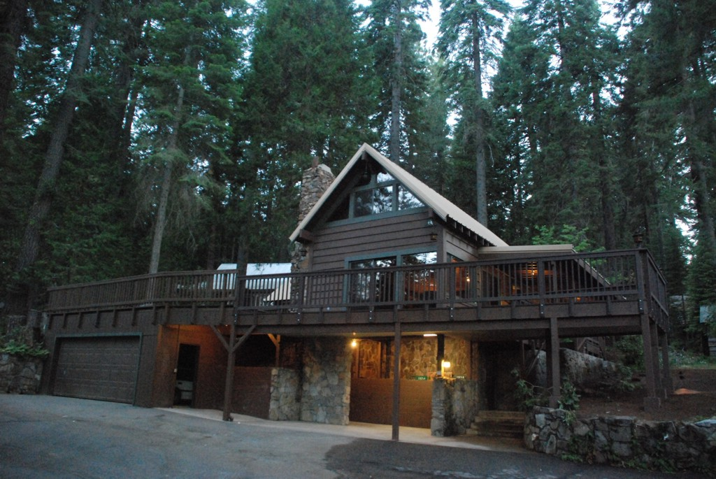 Outside view of the Big Pine cabin and trees